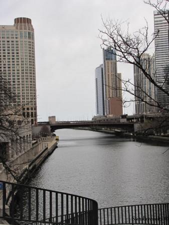 Outras atrações em Chicago - caminhar ao longo do rio