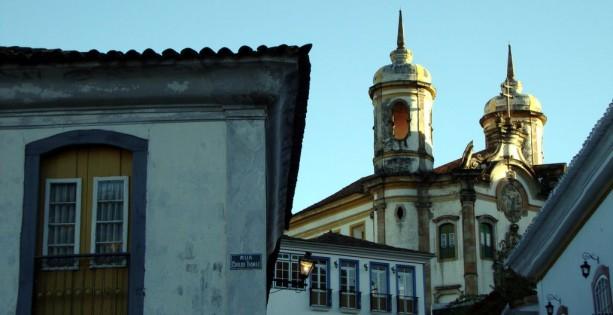 Ouro Preto na Pascoa - Igreja São Francisco de Assis ao fundo