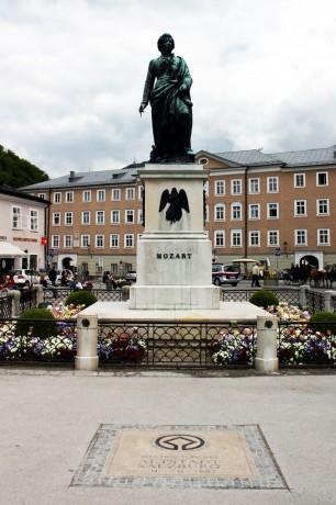 Roteiro de Salzburg - Estátua de Mozart