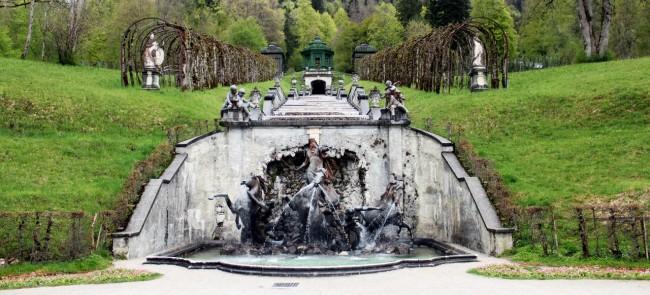 Castelos da Alemanha - Fonte de Linderhof