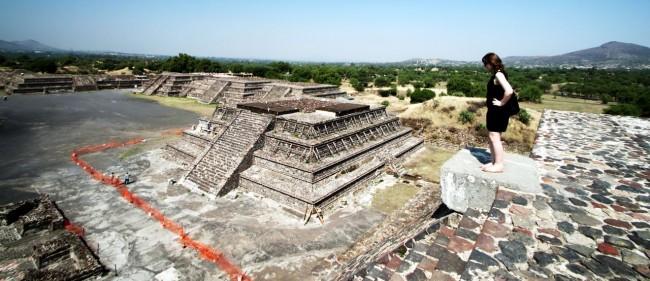 Teotihuacán - Templo menor em restauro