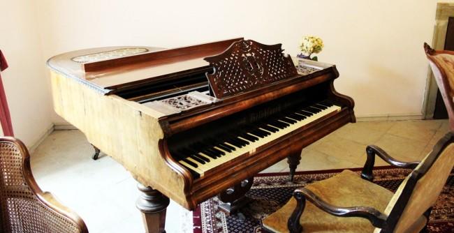 Nove Hrady - piano de cauda