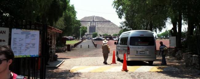 Como ir a Teotihuacán - Portão 2 em frente à Pirâmide do Sol