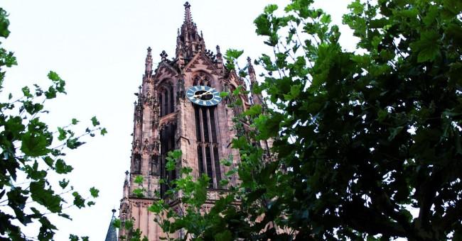 Centro Histórico de Frankfurt - Relógio da Catedral de Frankfurt