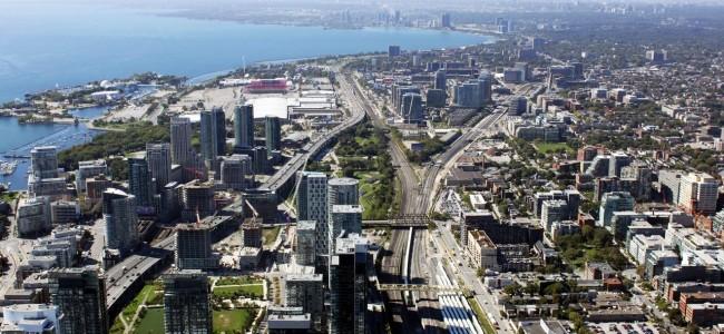 O que fazer em Toronto - Outra vista da CN Tower