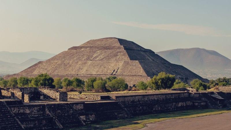 Qual moeda levar para o México? Vale fazer saque internacional?