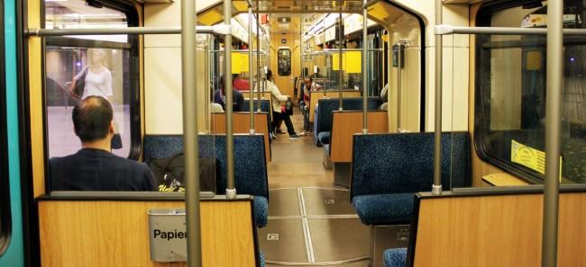 Metrô de Frankfurt - interior do vagão