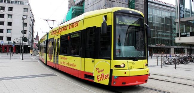 Metrô de Frankfurt - Tram por fora