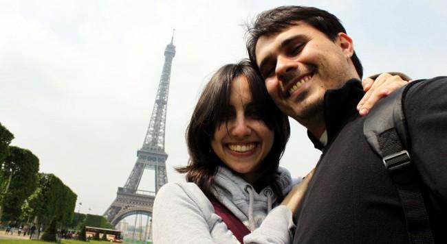 Roteiro de Paris - Em frente à Torre Eiffel 2