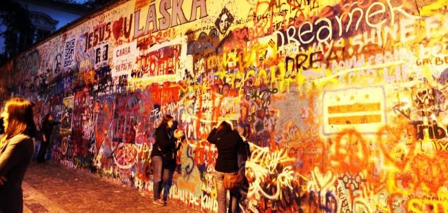 Malá Strana Praga - Muro do John Lennon / John Lennon Wall