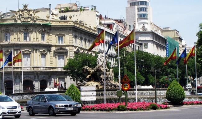 Guia KLM de Madri - Estátua 1