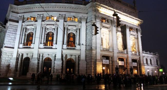 Guia KLM de Viena - Teatro da cidade