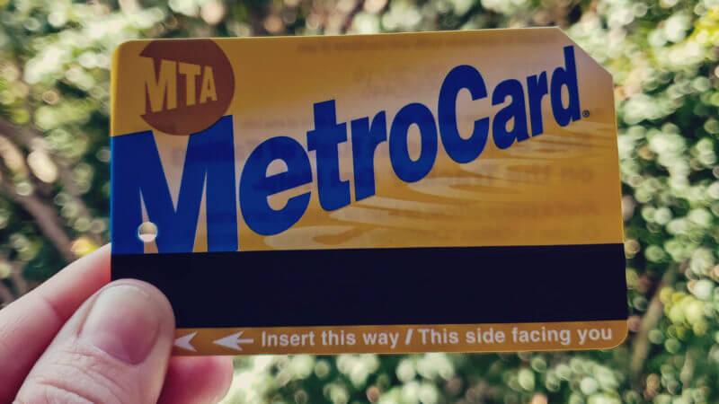 como usar o metrô de Nova York? comprando o MetroCard