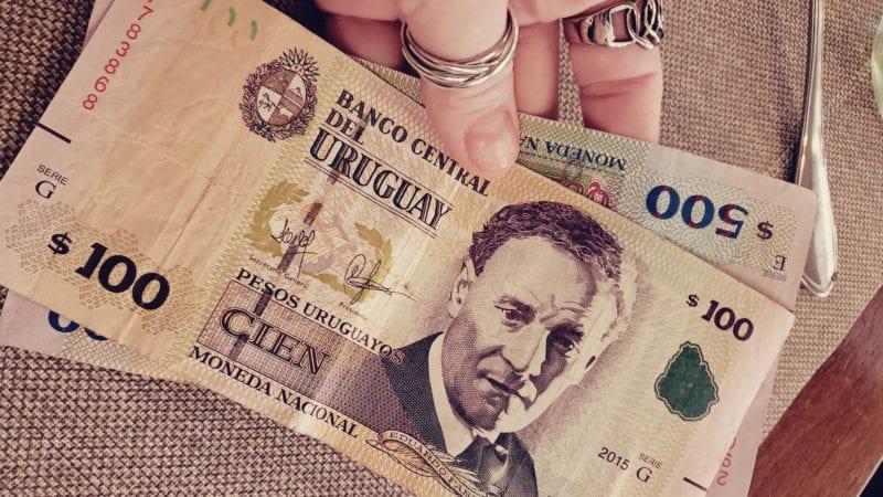Roteiro barato montevidéu, uruguai - dinheiro