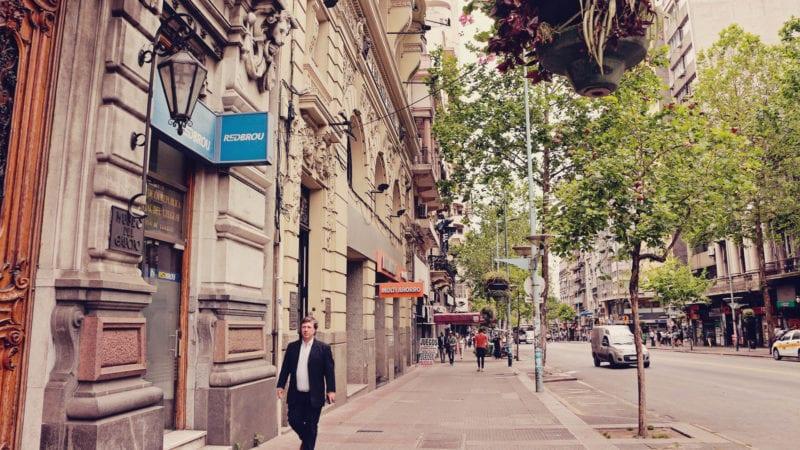 Roteiro barato montevidéu, uruguai - ruas